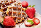 cach-lam-banh-waffle-sot-chocolate